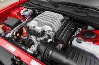 Dodge Challenger SRT Hellcat - 707 hp de músculo gringo
