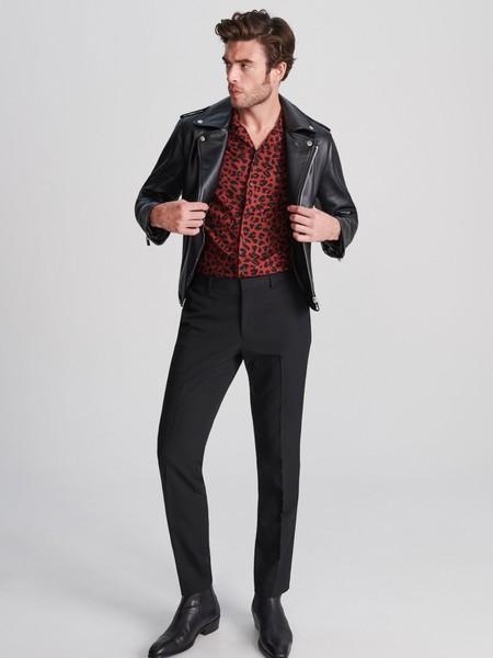 Rockero o elegante, el look de fiesta de RESERVED se lleva en negro para celebrar con estilo