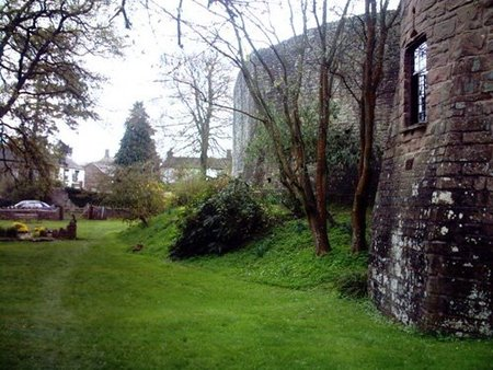 briavels castle lidney