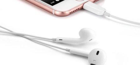 Los EarPods mediante Lightning están dando problemas de funcionamiento a algunos usuarios, Apple ya lo está arreglando