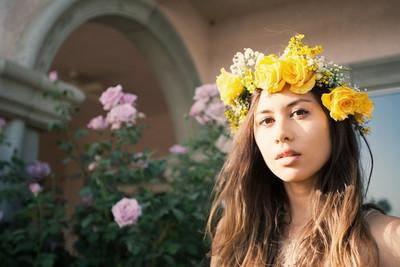 Para los festivales, la playa o eventos especiales: las coronas florales pueden servirte de inspiración divina