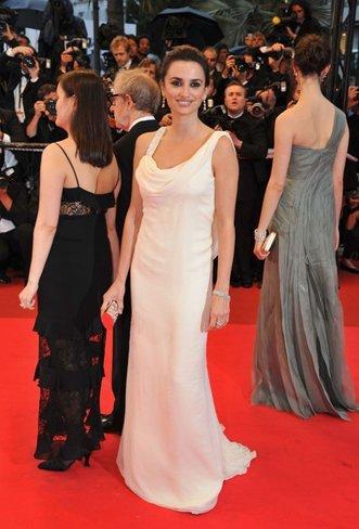 El vestido de novia de Penélope Cruz: sus mejores looks con vestidos de fiesta blancos. Marchesa
