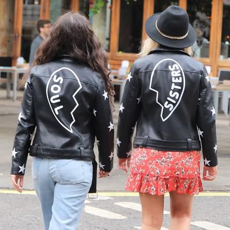 ¿Hermanas de alma? La chaqueta de Topshop con la que hacer twinning con tu BFF