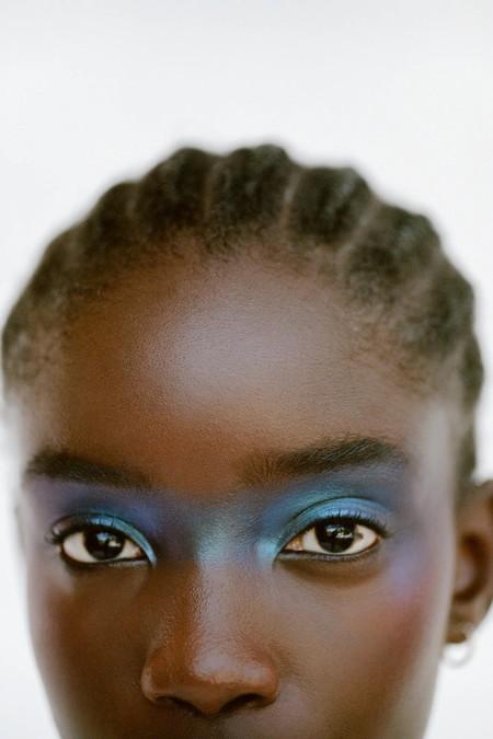 Zara viste las miradas de sus modelos con originalidad (y siguiendo las tendencias del momento)