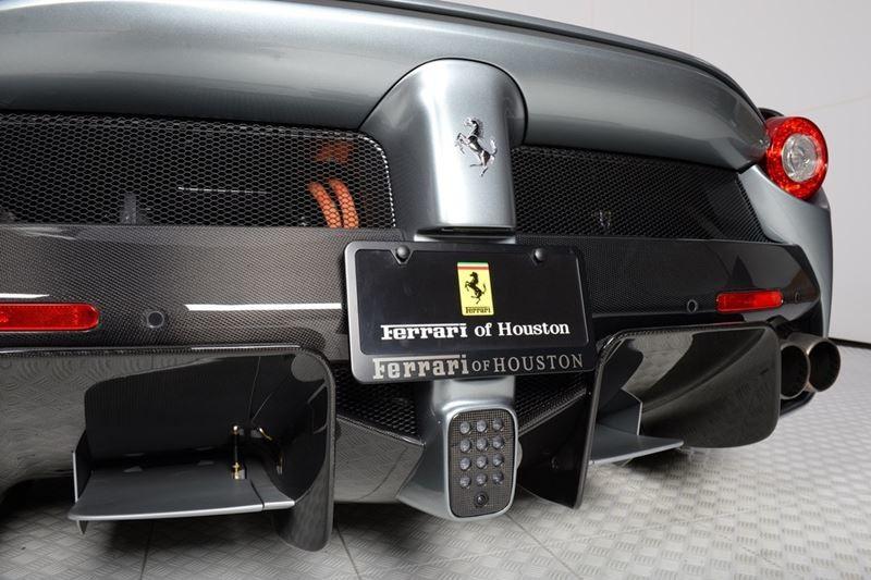 Foto de Ferrari LaFerrari (35/38)