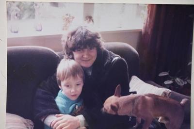 Mujer se reencuentra con su hijo tras 28 años gracias a Facebook