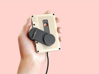 Este hermoso reproductor portátil de cassettes es pura gloria retro con tecnología de hoy