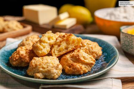 Panecillos de queso cheddar, receta fácil, rápida y deliciosa (con vídeo incluido)