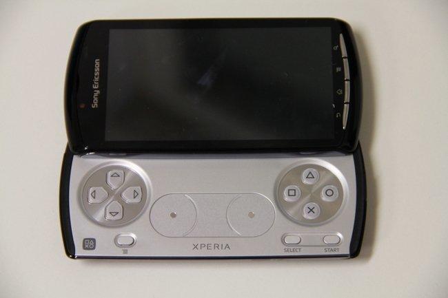 xperia-play-consola.jpg