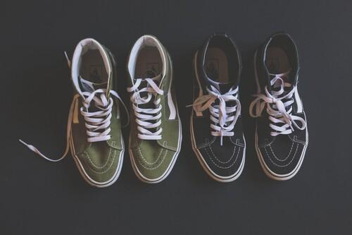Las mejores ofertas de zapatillas hoy: Vans, Puma y Converse más baratas