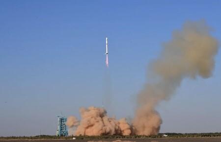 En marzo un satélite chino fue dañado inesperadamente, una nueva investigación sugiere que impactó con basura espacial rusa