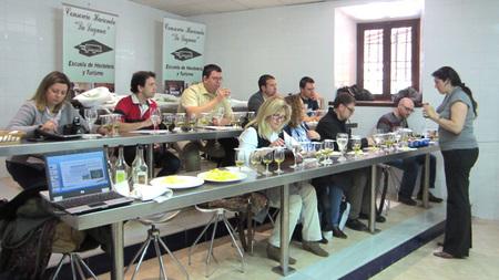 Aprendiendo a distinguir y apreciar los aceites de oliva monovarietales