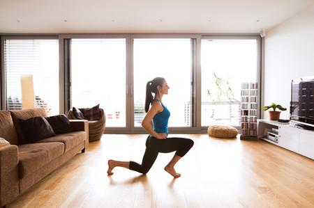 Perder peso entrenando en casa: un circuito de entrenamiento que puedes hacer en tu salón