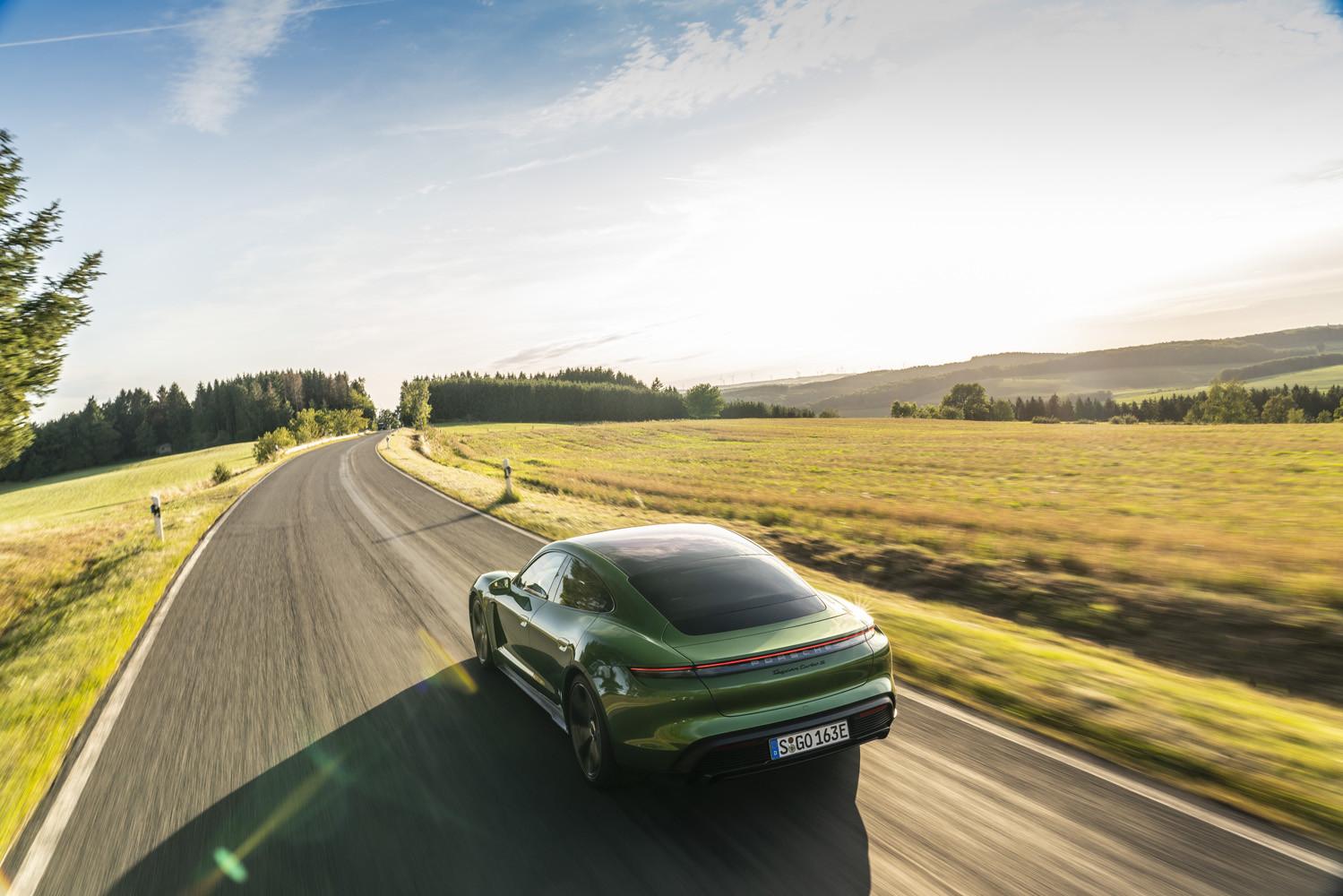 Foto de Porsche Taycan prueba contacto (237/275)