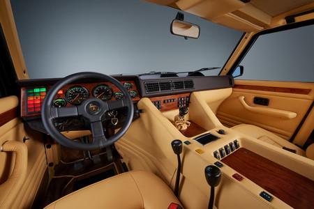 Lamborghini Lm002 29