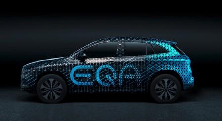 Primera imagen del SUV Mercedes-Benz EQA: conoceremos al hermano eléctrico del Mercedes GLA en 2020