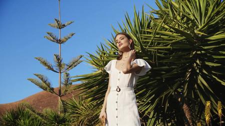 Es posible que este año la verbena de San Juan la pasemos en casa, pero podemos vestirla con estilo de la mano de Lefties