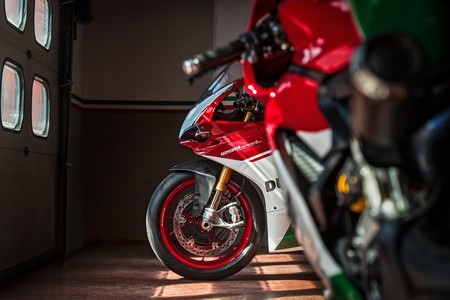 Ducati 1299 Panigale R Final Edition 2017 004