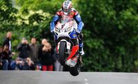 IOMTT 2012: John McGuinnes continúa haciendo historia en el Tourist Trophy