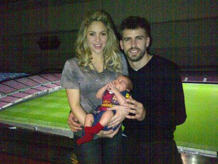 Piqué, Shakira ¡no son horas de tener a Milan por ahí!