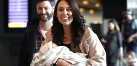 La primera ministra de Nueva Zelanda se lleva a su bebé a la ONU, acompañada de su padre: un ejemplo de liderazgo y conciliación