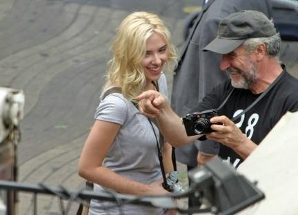 Más fotos de Scarlett Johansson en el rodaje de 'Midnight in Barcelona'