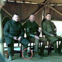 'Juego de Tronos' 8x06: las botellas de agua son dignas herederas del café de Daenerys en la última gran pifia de la serie