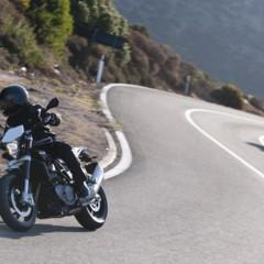 Foto 37 de 111 de la galería husqvarna-nuda-900-y-900r-datos-y-fotos-oficiales en Motorpasion Moto
