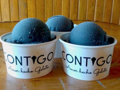 Helados con carbón activado y sabores mexicanos en Contigo Gelateria