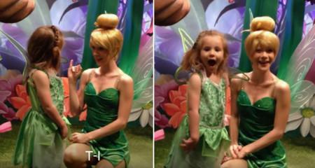 La preciosa reacción de una niña sorda al ver que los personajes Disney le hablan con signos (vídeo)