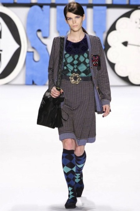 Anna Sui Otoño-Invierno 2012/2013: búhos en la cabeza y folklore