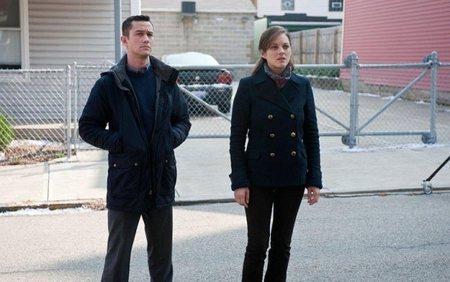 Joseph Gordon-Levitt y Marion Cotillard en una escena de la película de Nolan
