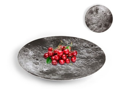 Fuente de servir con impresión de la superficie lunar