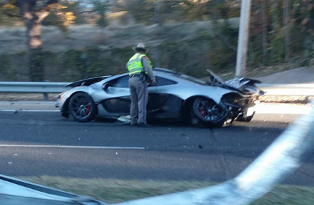 Dolorpasión™: McLaren P1 con serios daños