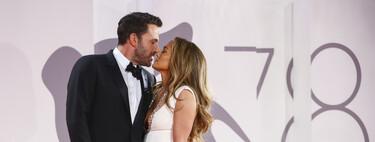 Jennifer López y Ben Affleck derrochan amor en la penúltima noche de alfombra roja del Festival de Venecia 2021, con besos incluidos