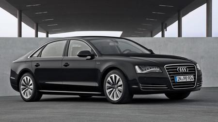 Audi A8 L Hybrid, llega la batalla larga híbrida de cuatro aros