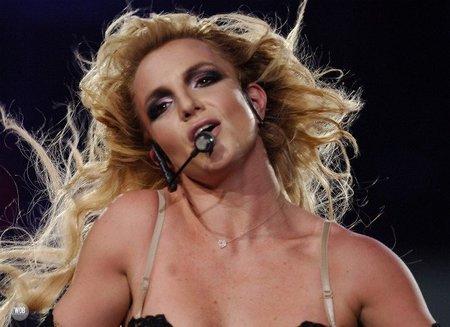 Britney se emperró cual mula para meter a su churri en el vídeo de 'Criminal'