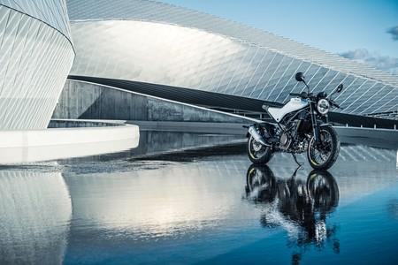 La Husqvarna Vitpilen 401 y sus dos hermanas harán que desees una de estas motos para el carnet A2