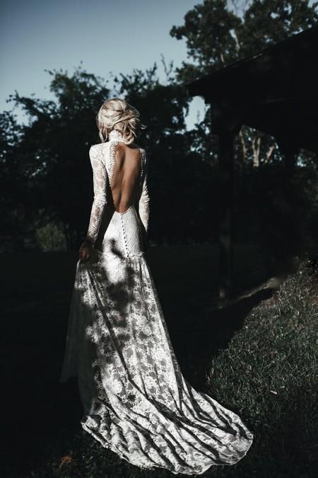 Si Quieres Lucir Un Vestido De Novia Con Al Espalda Descubierta Es Posible Que Estas Opciones Te Inspiren Y Te Enamoren
