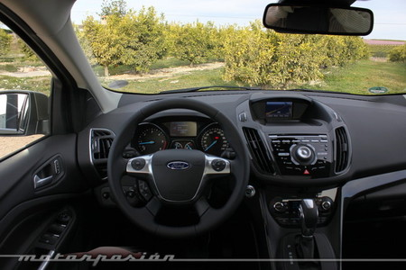 Ford Kuga 2013, vista interior