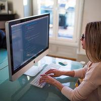 La Universidad Autónoma de Madrid ha lanzado tres cursos online gratuitos de programación en C que podrás tomar en edX