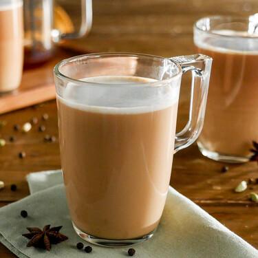 Cómo hacer té chai latte: como el de Starbucks, pero casero y adaptado a tu gusto (receta con vídeo incluido)