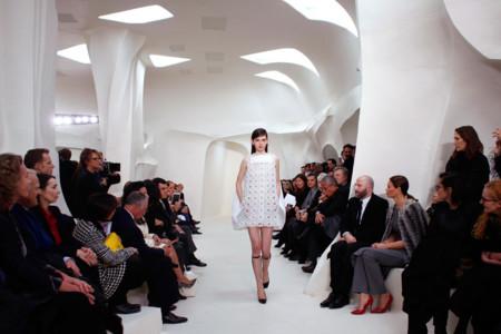 Vestido blanco calado Christian Dior Alta Costura Primavera-Verano 2014