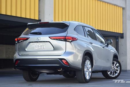 Toyota Highlander 2020 5