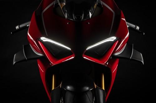 ¡Orgía de potencia! Estas son las nueve motos de serie con más de 200 CV que llegarán en 2019