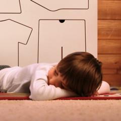 Foto 2 de 7 de la galería una-original-comoda-para-que-los-ninos-aprendan-a-vestirse en Decoesfera