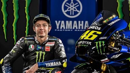 Valentino Rossi anima a cumplir con la cuarentena y dona material médico a la lucha contra el coronavirus en Italia