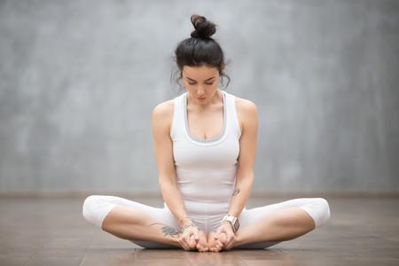 siete posturas de yoga para embarazada ejercicios