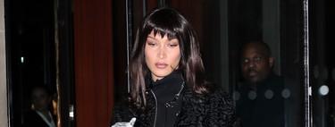 Bella Hadid nos muestra una forma muy original de lucir un flequillo postizo
