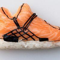 Este artista ha convertido en sushi todas nuestras deportivas favoritas